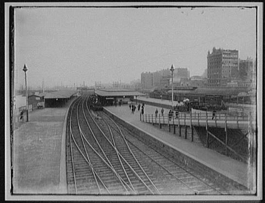 Flinders_Street_Station_-_Melbourne_LCCN2004707413