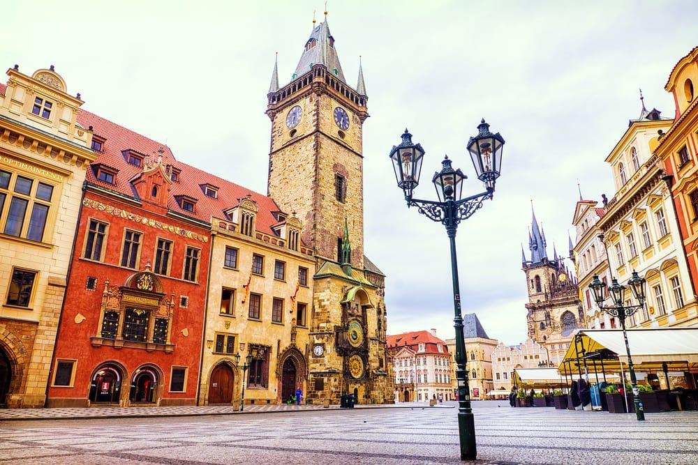 Hold efterårsferie i Prag