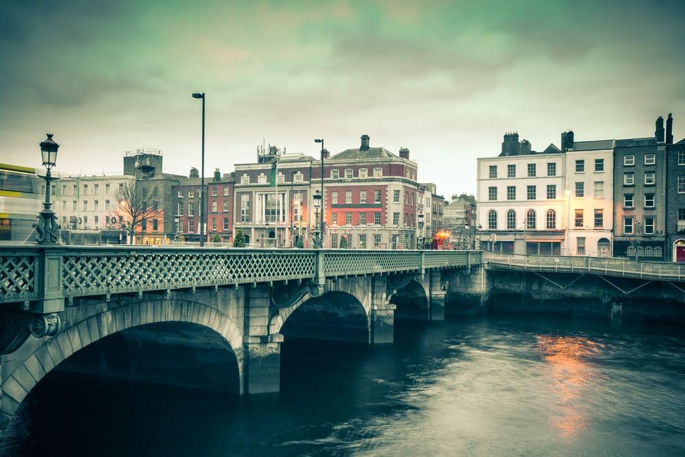 Dublin i Irland: Grattan Bridge