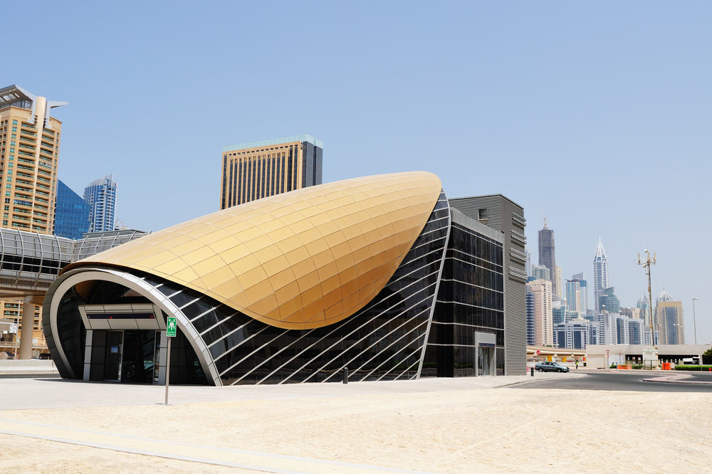 Futuristisk metrostation i Dubai