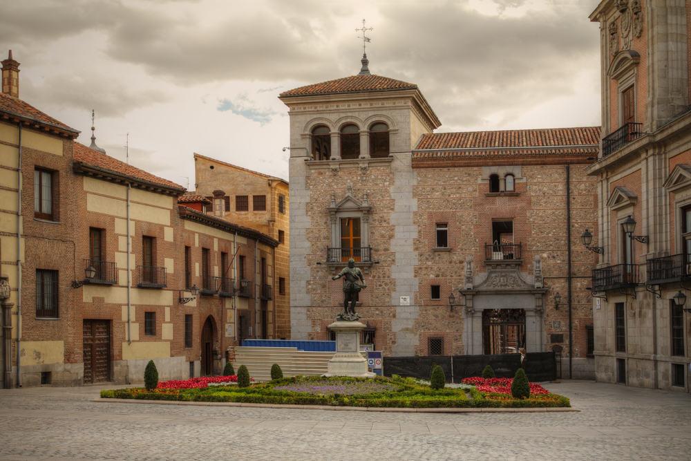 Plaza de la Villa - Madrid i Spanien