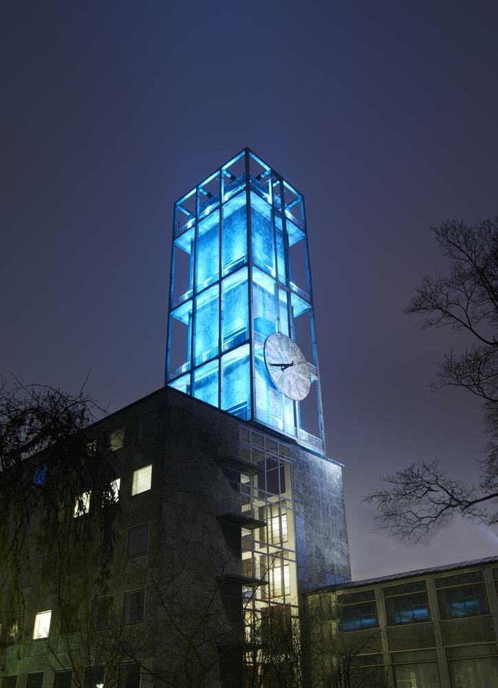 Det lidt specielle rådhus i Århus er tegnet af Arne Jacobsen
