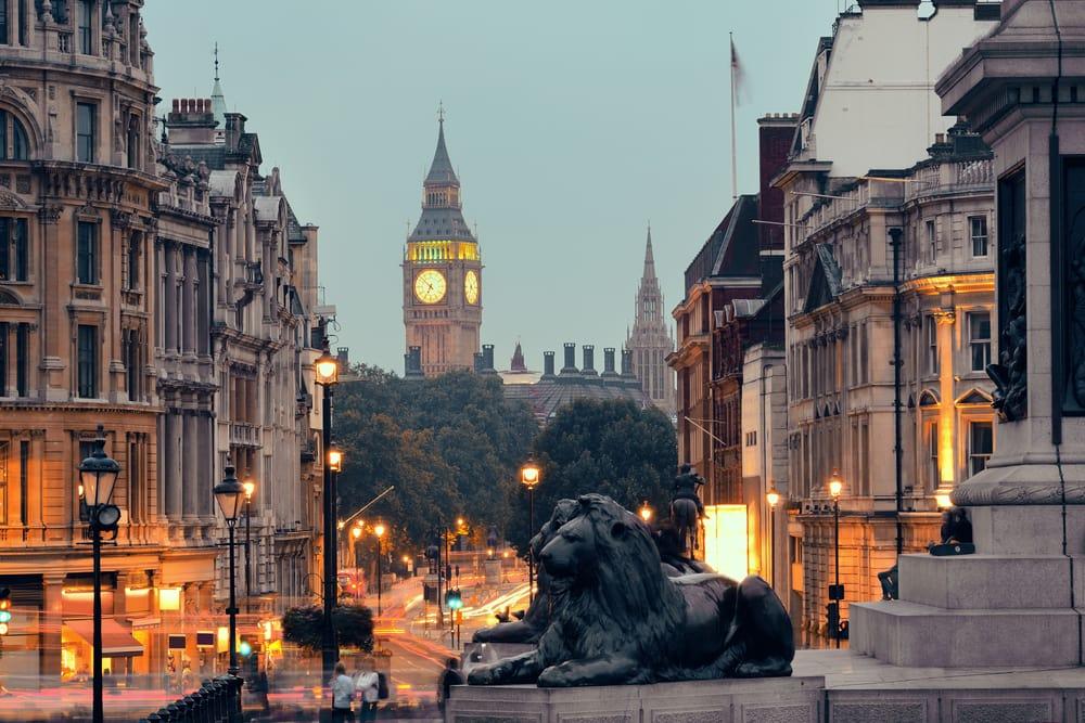 trafalgar-square-london-england
