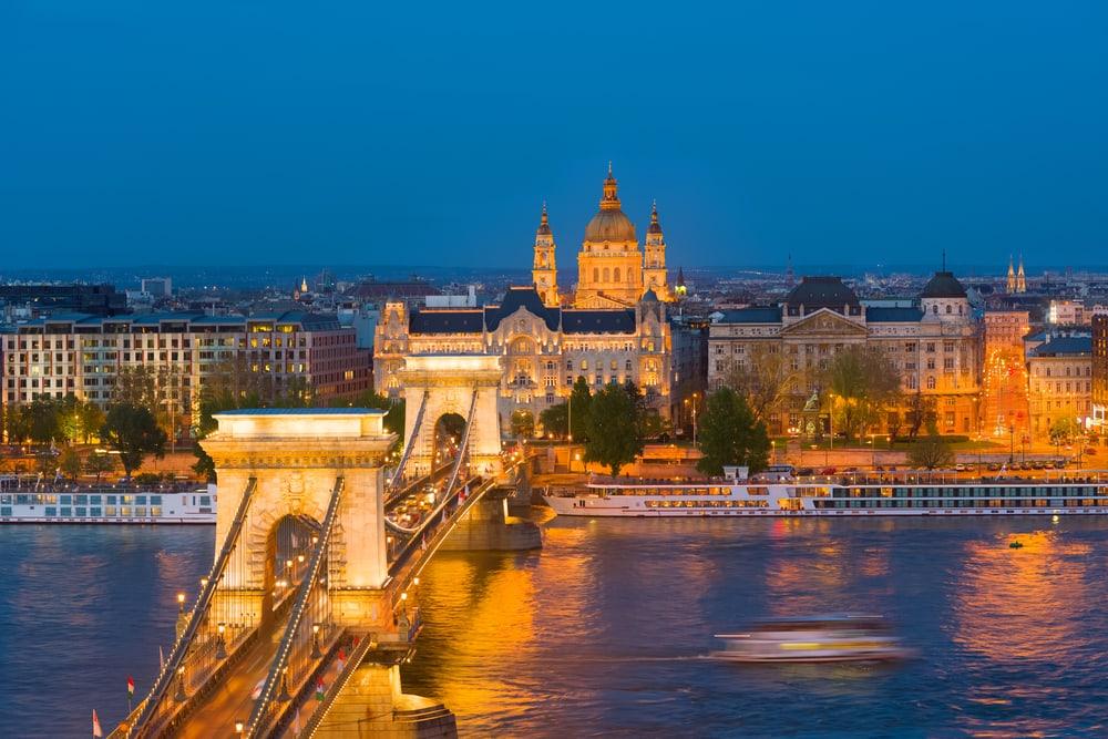 Smuk bro - Budapest i Ungarn