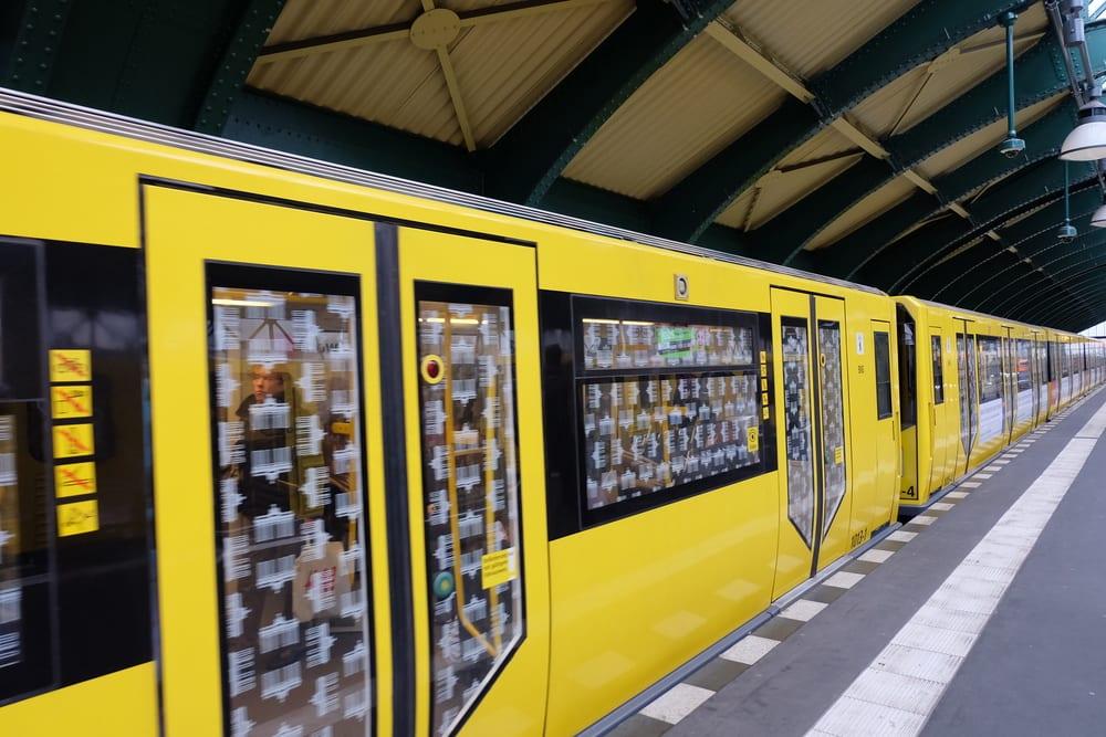Metrostation - Berlin i Tyskland