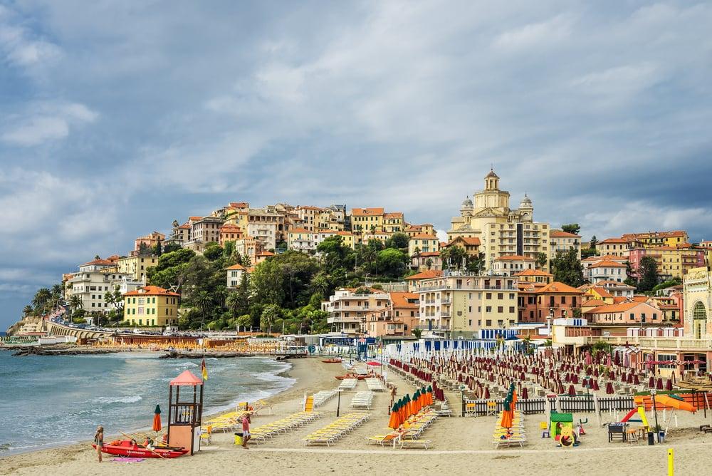 Imperia stranden - Ligurien i Italien
