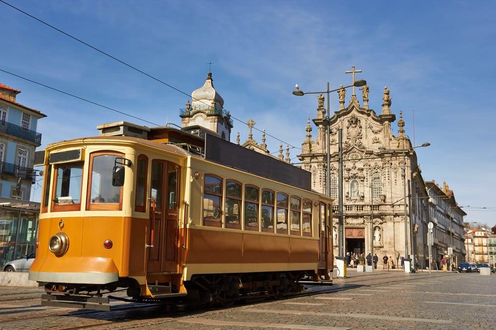 Klassisk sporvogn - Porto i Portugal