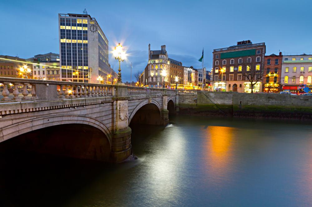 O'Connell Street Bridge - Dublin i Irland