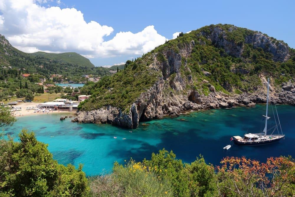 Paleokastritsa - Korfu i Grækenland