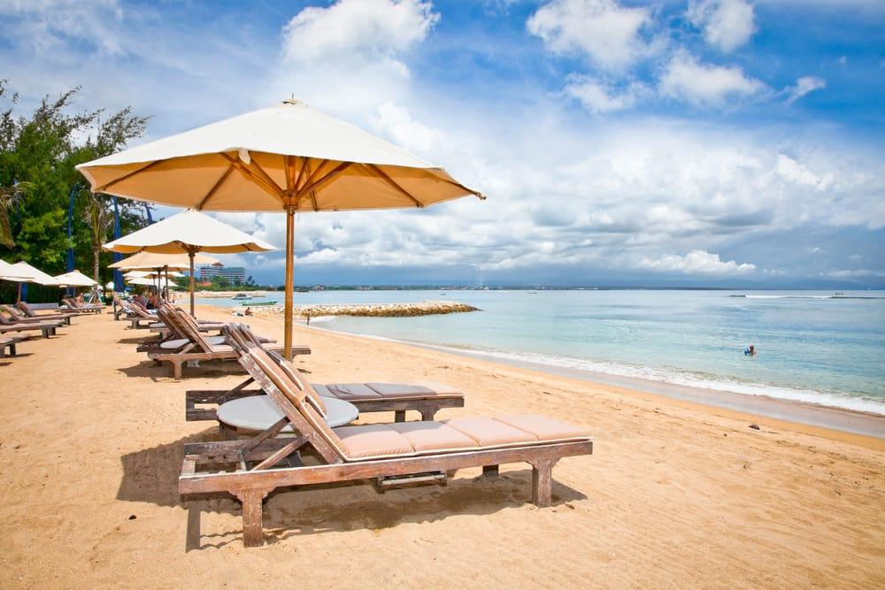 Strand i Sanur på Bali - Indonesien