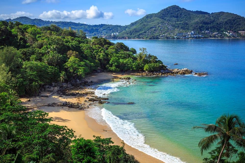 Laem Sing stranden - Phuket i Thailand