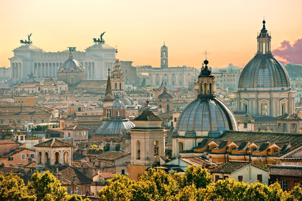 Udsigt over byens tage i Rom - Italien