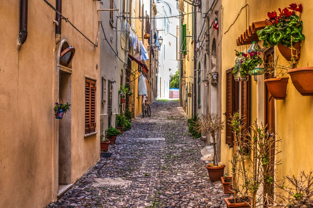 Alghero - Sardinien i Italien