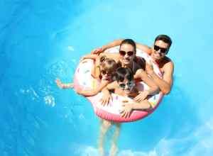 Albanien på pool-hotel