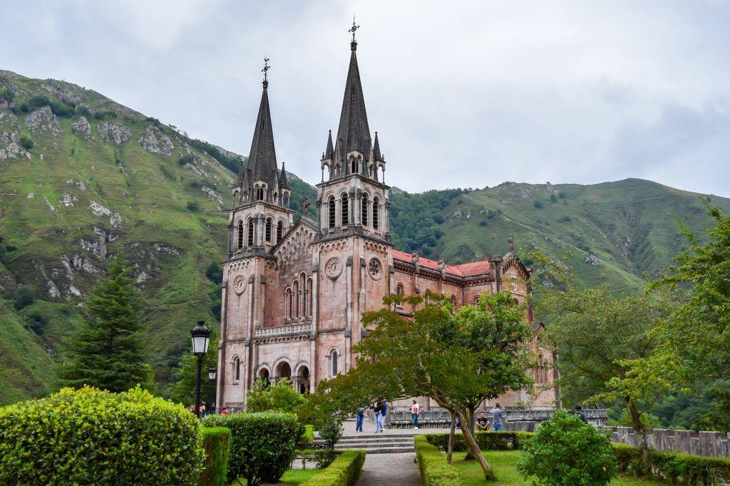 Asturien - covadonga klosteret