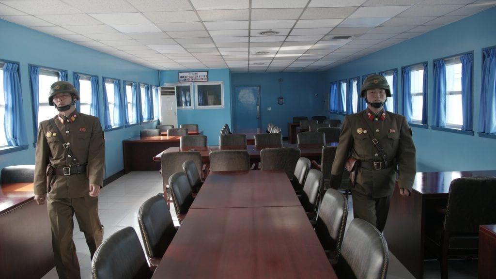 Nordkorea - soldat hus by - rejser