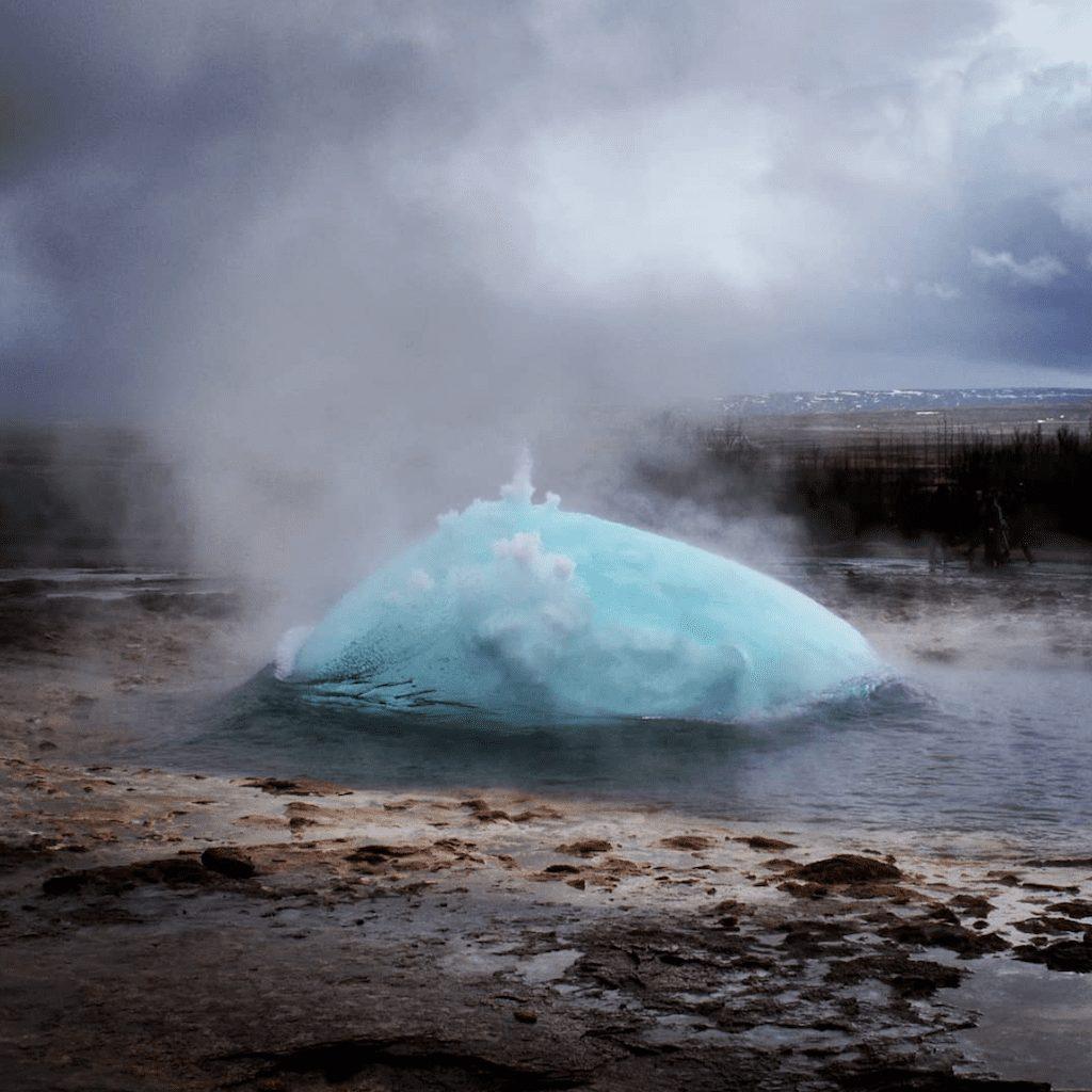 Island - gejzir priroda strokkur-putovanja
