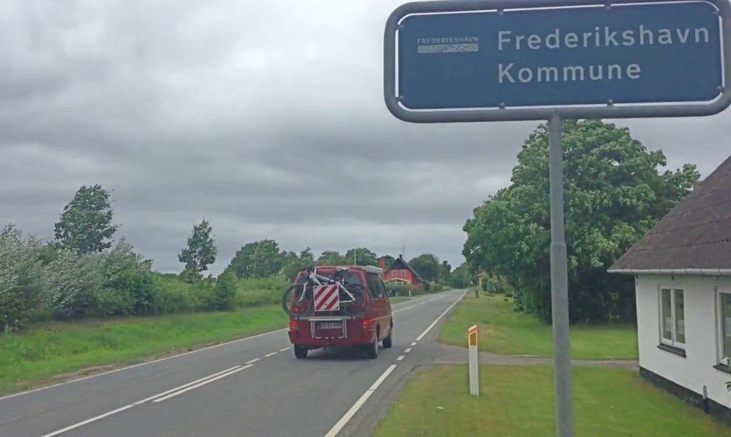 Frederikshavn - bil vej danmark - rejser
