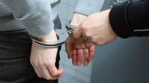 Rejsesjov - håndjern - politi