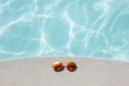 Pool, solbriller - rejser