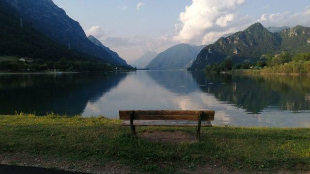 Italien - Brescia, Lago d'Idro, bænk