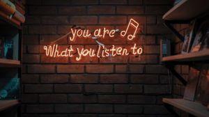 USA - væg, lytte, neonskilt - rejser