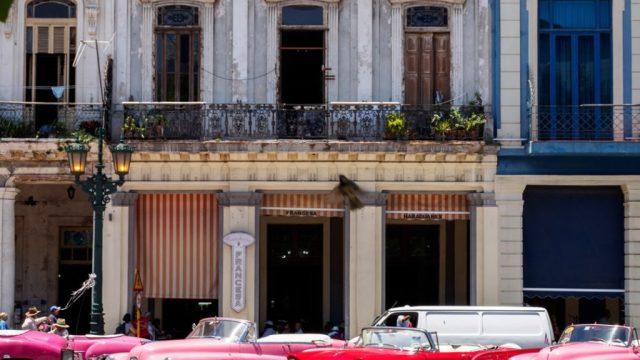 Küba - Havana - arabalar - seyahat
