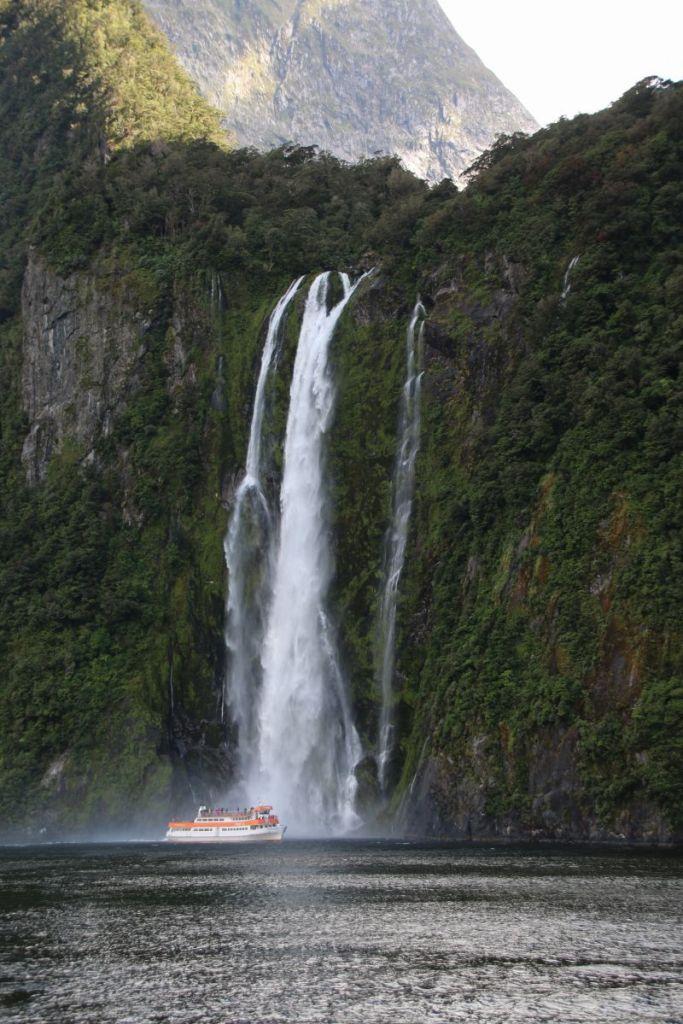 New Zealand Milford Sound Waterfall Travel