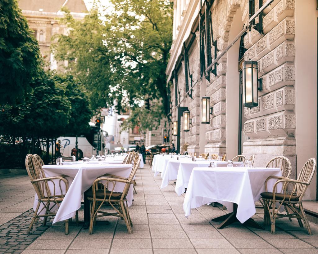 Ungarn Budapest restaurant mad rejser