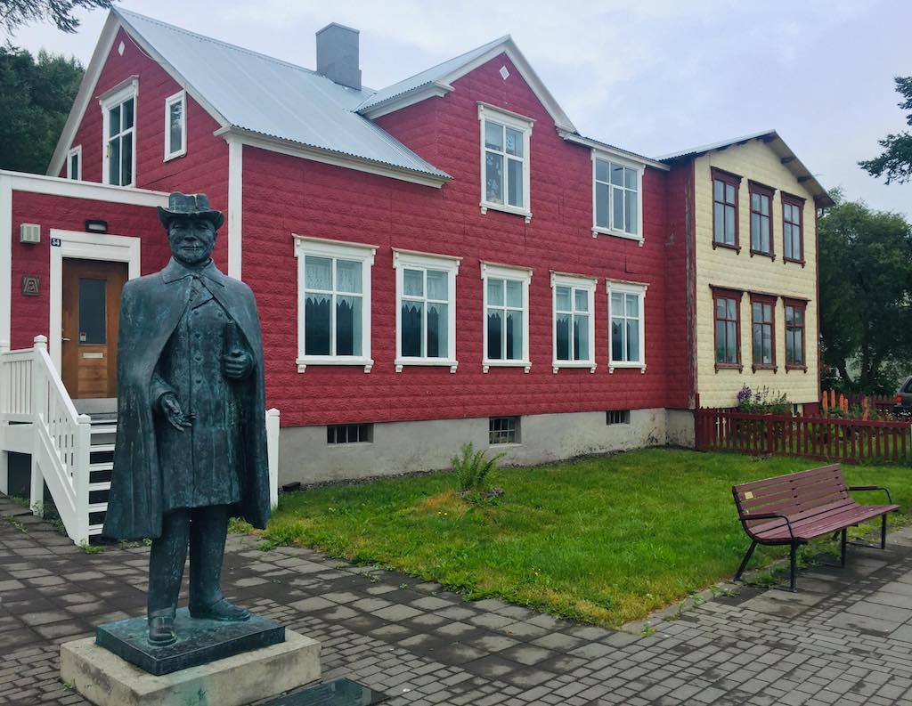 Island - Akureyri - Rejser