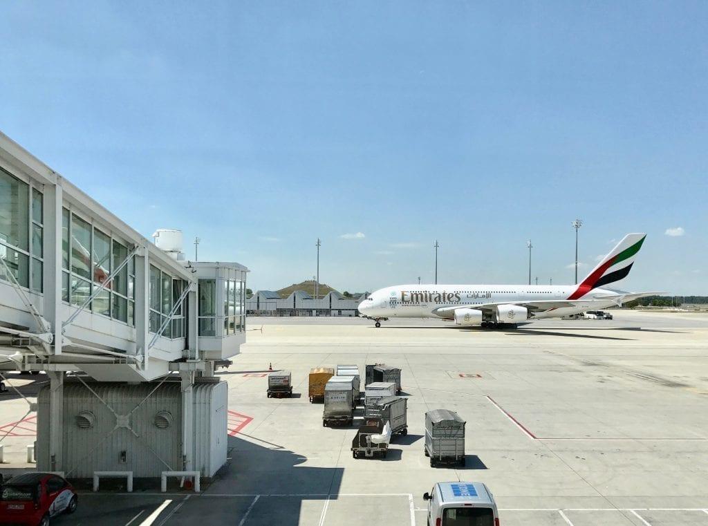 Μόναχο - αεροδρόμιο - αεροπλάνο - ουρανός - ταξίδια - αεροδρόμια