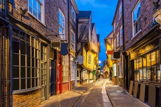 York shambles alley sunset dusk, York Englsnd UK, rejser, england, panorama travel