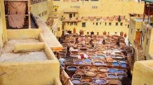 Chouwara Leather tradizionale conceria nell'antica medina di Fes El Bali. Fez, Marocco, Marocco, Africa, viaggi panoramici, viaggi