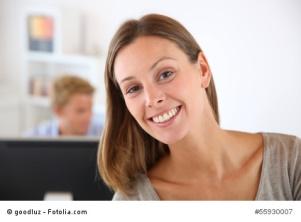 Einfach Lächeln, das hilft, wenn du nervende Kunden hast