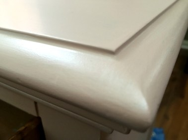 Nightstand_PearlMetallicTopDetail
