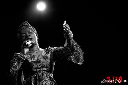 Angelique Kidjo 07web