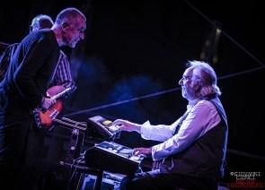 Caravan - Geoffrey Richardson & Jan Schellhass