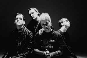 HOLDING ABSENCE: live in Italia