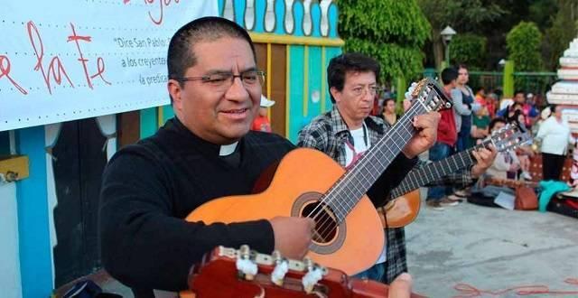 Luis Alfredo León Armijos es sacerdote en Loja (Ecuador) y ofrece su testimonio a las jóvenes que se plantean abortar