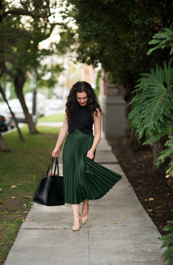 green accordion skirt zara