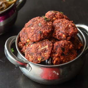 Beetroot vadai / Beetroot Lentil Fritters