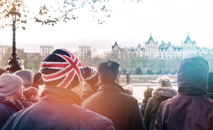 הניגודיות האנגלית – פורמליות גינונים ונימוסים ובמקביל התפרקות והפקרות