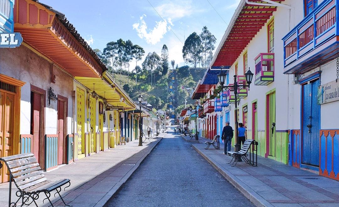 """רילוקיישן לקולומביה, נסיעות עסקים, נסיעות עבודה לחו""""ל – על שיפור מסוים באי שוויון מגדרי ועל אי שוויון חברתי"""