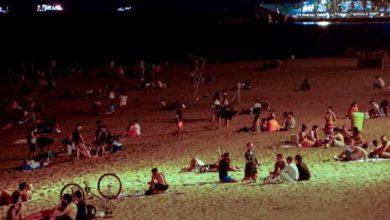 Photo of Desalojan a 62 personas de una playa en España que habían quedado para propagar el COVID