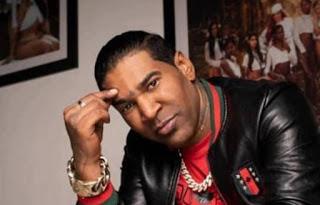 Photo of Alguien lo asesore para buscar esos chelitos… …Omega dice no ha recibido 'un peso' de su música en lo digital.
