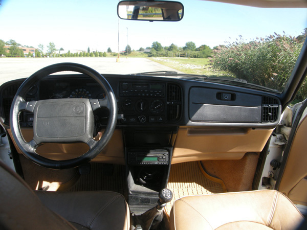 Saab 900 dashboard, by saabhistory on Flickr