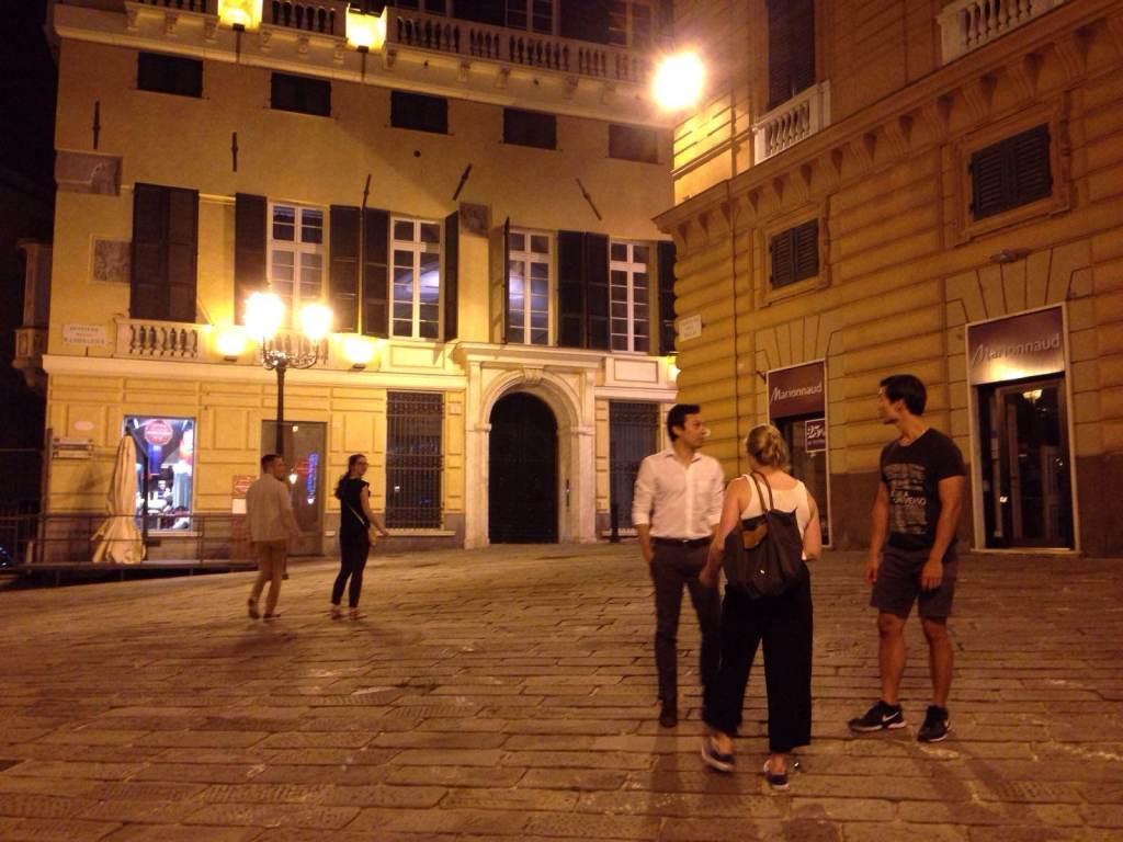 Piazza delle Fontane Marose, Genova