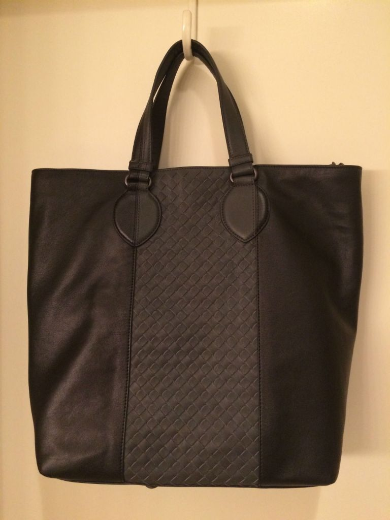 Bottega Veneta black and gray leather tote purchased from Vestiaire Collective