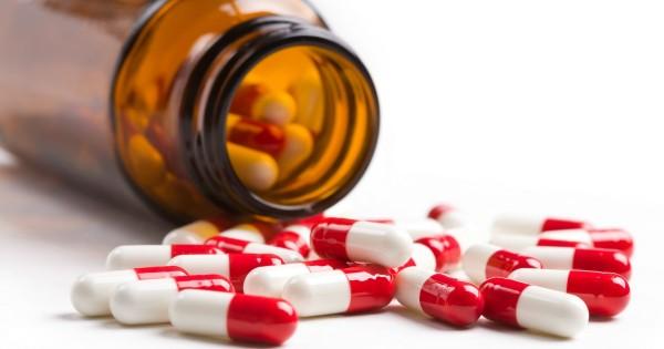 Acne-antibiotics-600x315