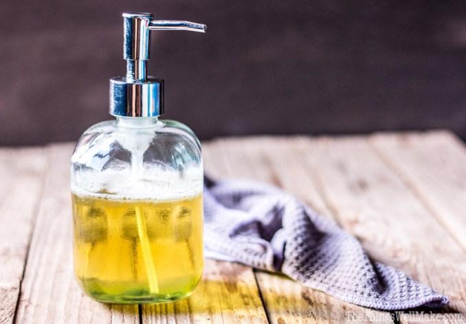 easy-DIY-liquid-castile-soap-recipe-14WMeng